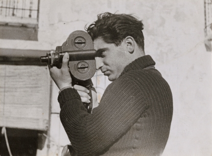 Gerda Taro - Robert Capa - Segovia front, Spain Late May-early June 1937 © International Center of Photography.