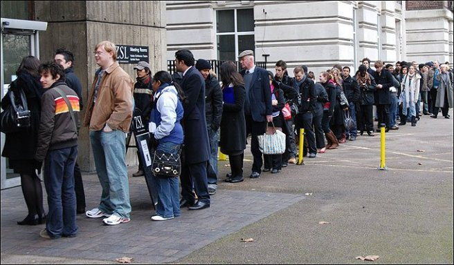 people-queueing