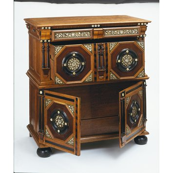 Chest of drawers, England 1653© Victoria and Albert Museum, London