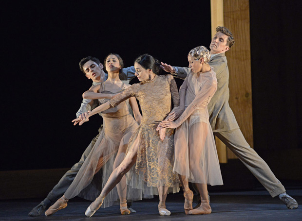 federico-bonelli-beatriz-stix-brunell-alessandra-ferri-francesca-hayward-and-gary-avis-in-the-ii-now-i-theni-section-of-iwoolf-worksi-br-dave-morgan-courtesy-the-royal-opera-house-d