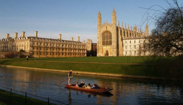 King's College: Punting on the River Cam © Phil Brown 2000-2017