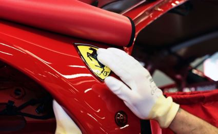 Final touches on Ferrari logo