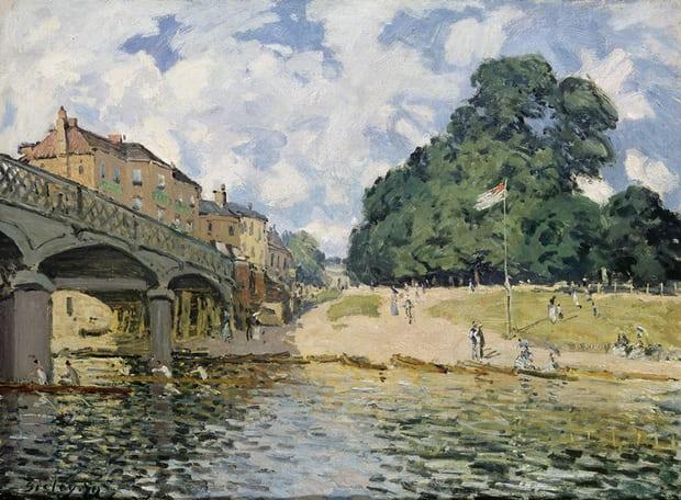 The Bridge at Hampton Court, Mitre Inn, 1874, by Alfred Sisley. Photograph: Wallraf Richartz Museum & Foundation Corboud