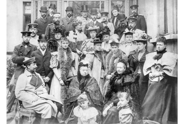 Family Portrait on Queen Victoria's 75th Birthday / Photo, 1894 Victoria 1819 – 1901,