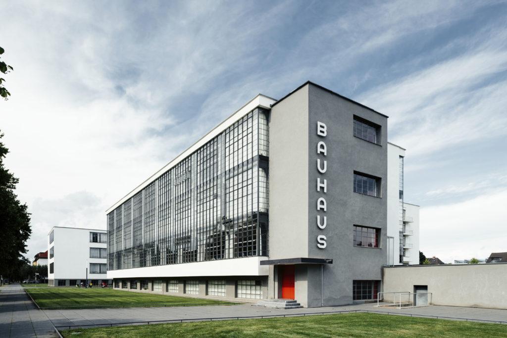 Bauhaus building (1925–26) by Walter Gropius. Photo © Tillmann Franzen. © VG Bild-Kunst, Bonn 2018.