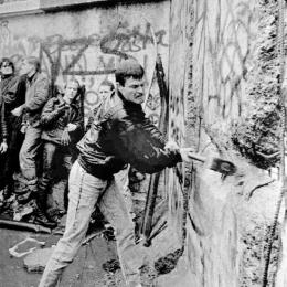 muro-berlino-1989[1]