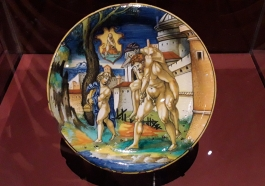 Aeneas escapes from Troy, maiolica by Francesco Xanto Avelli, 1531. British Museum, Troy exhibition. London 2020 ©Paola Cacciari