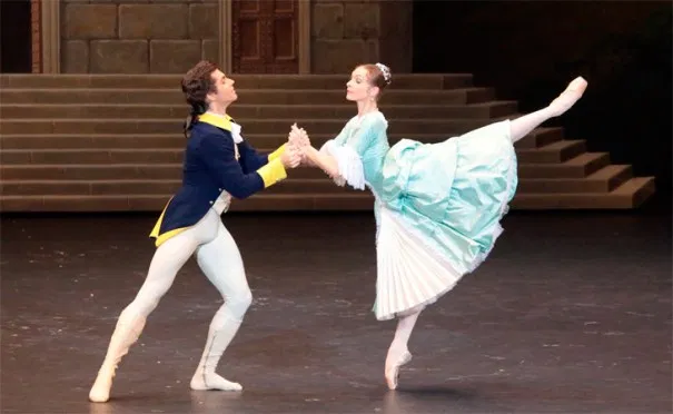 Igor Tsvirko as Count Pepinelli, and Olga Smirnova as Marchesa Sampietri Marco Spada (Bolshoi Ballet)